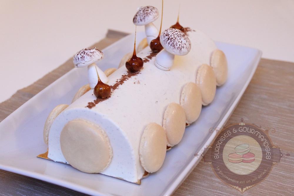 Bûche de Noël #3 : vanille tonka, caramel et spéculoos