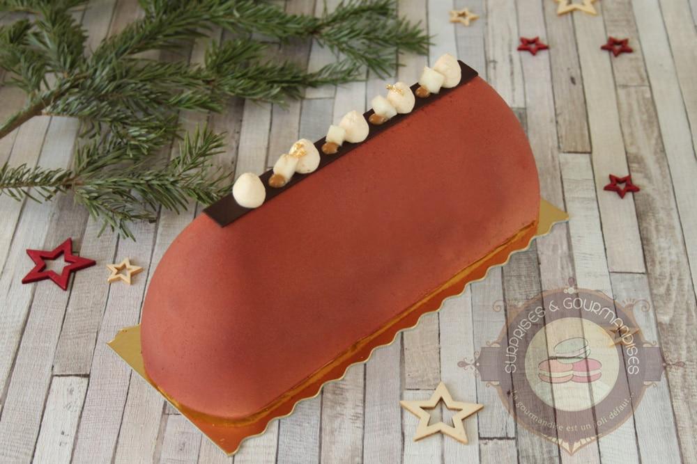 Bûche de Noël #31 : poire et chocolat Caramelia