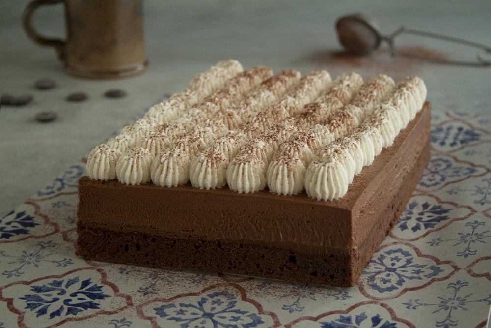 Entremets chocolat et fleur de sel, chantilly vanille tonka